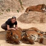 Amanda with the tiger.
